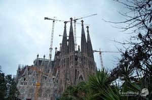 1883-1926 гг., Искупительный храм Святого Семейства (Temple Expiatori de la Sagrada Familia), Барселона, Испания.