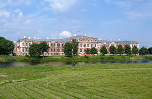 Дворец герцога Бирона в Митаве, Латвия.