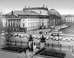 Оперный театр, ныне Государственная опера, Берлин.