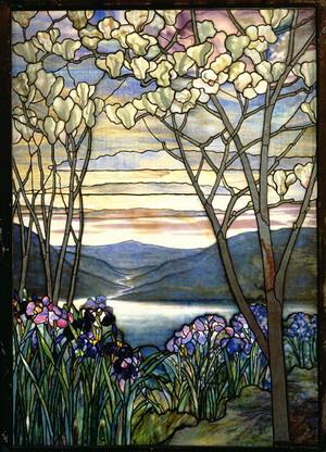 Витраж магнолии и ирисы 1908 г., Музей Метрополитен, США.