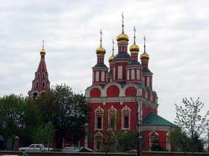 Храм Архангела Михаила в Тропарёве, Москва.